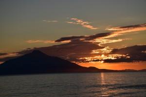サロベツから見る利尻富士の夕焼け